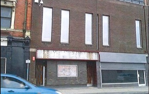 Shop for rent in Altrincham - 34 Stamford New Road