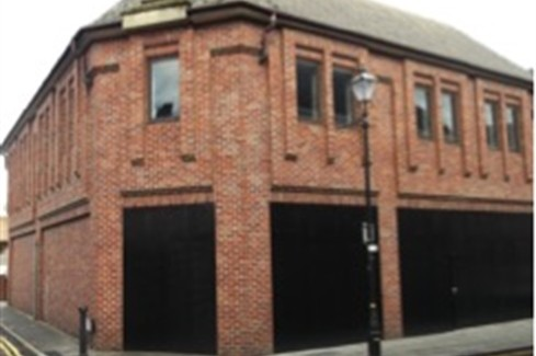 Shop for Rent in Altrincham - -11 Cross Street, Altrincham